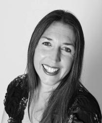Fiona Woodifield, author & writer